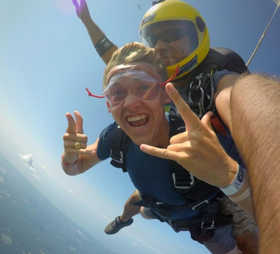 How Much Does Tandem Skydiving Cost?
