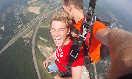 How to Get Over a Fear of Skydiving