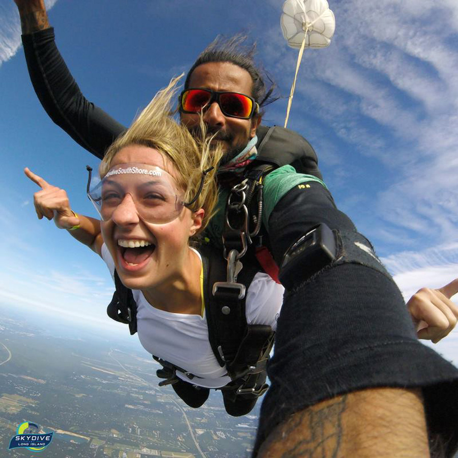 How To Convince Your Mom Skydiving is Safe