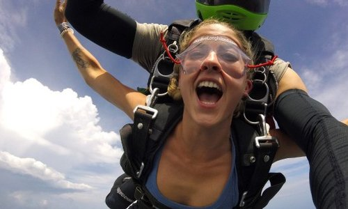 How to Rock Your First Time Tandem Skydiving Experience