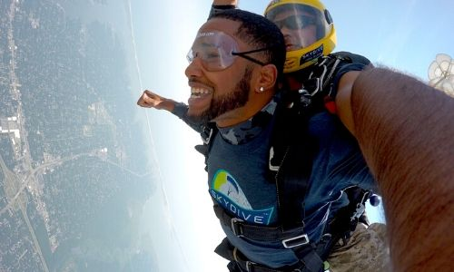 Why Skydiving near New York is So Amazing!